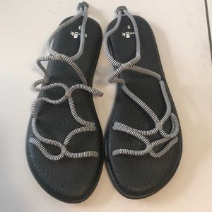 Sanuk strappy sandals